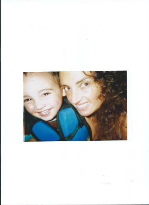 LITTLE JULIAN WITH MOMMY.LIFESAVER 001