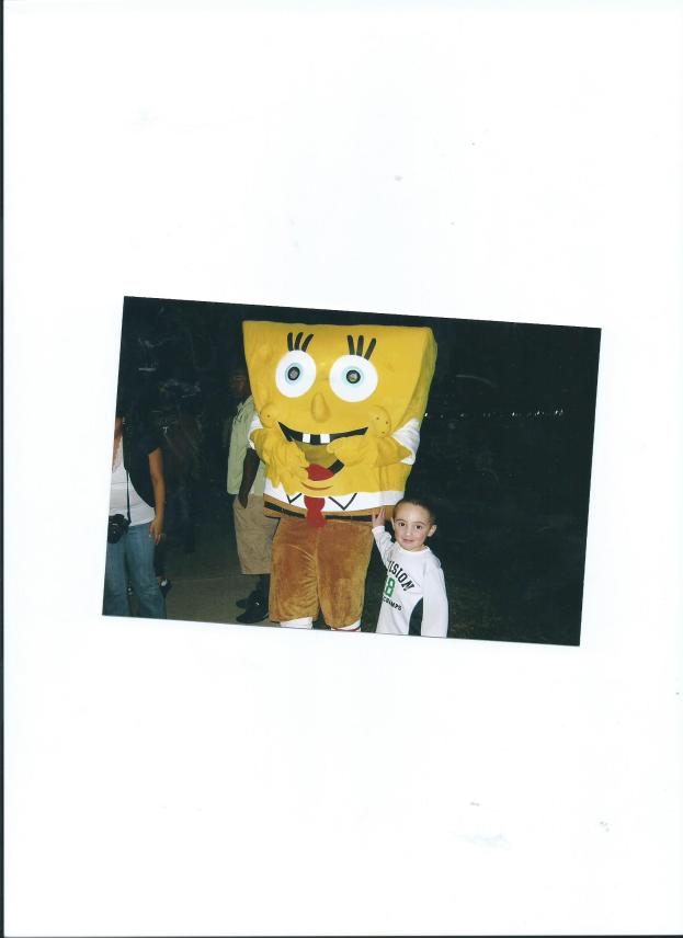 JULIAN WITH SPONGE BOB AT FESTIVAL OF LIGHTS.MOODY GARDENS IN GALVESTON, TX.2011 001