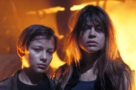 linda hamilton.terminator.with son.battle scarred